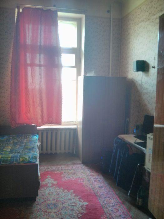 Сдам долгосрочно гостинка, г. Харьков                               в р-не Центр возле м. <strong>Площадь Конституции</strong>                                  фото