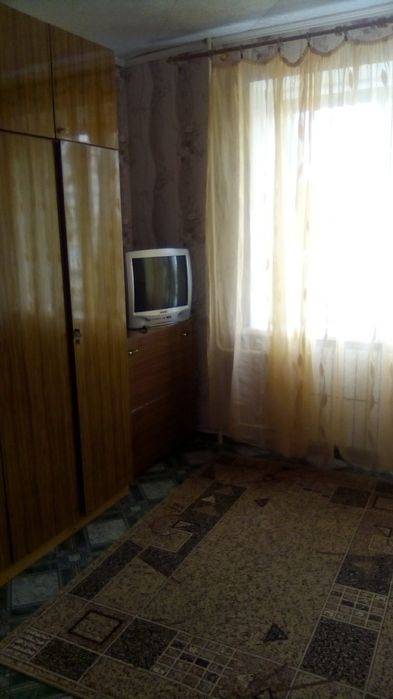 Сдам долгосрочно гостинка, г. Харьков                               в р-не Залютино                                 фото
