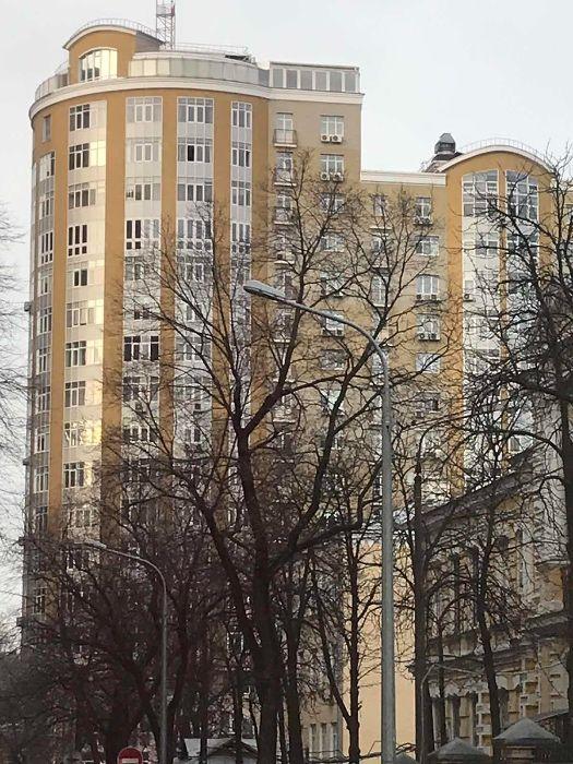 Продам ? 4 к, г. Киев                               в р-не Печерск возле м. <strong>Олимпийская</strong>                                  фото