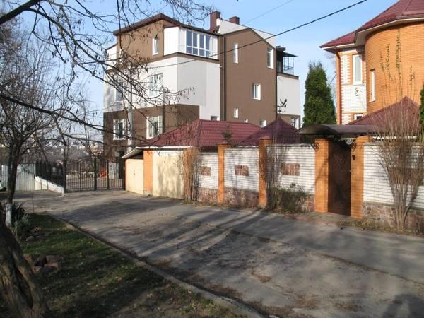 Продам ? дом, г. Киев                               в р-не Сырец возле м. <strong>Дорогожичи</strong>                                  фото
