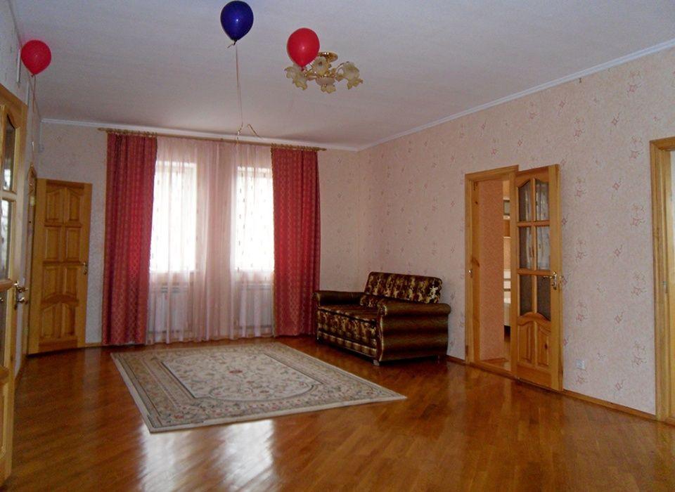 Сдам долгосрочно дом, г. Киев                               в р-не Голосеево возле м. <strong>Голосеевская</strong>                                  фото