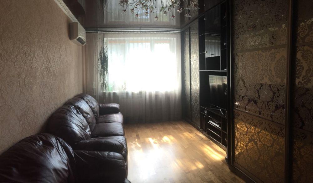 Продам ? гостинка, г. Киев                               в р-не Сырец возле м. <strong>Сырец</strong>                                  фото