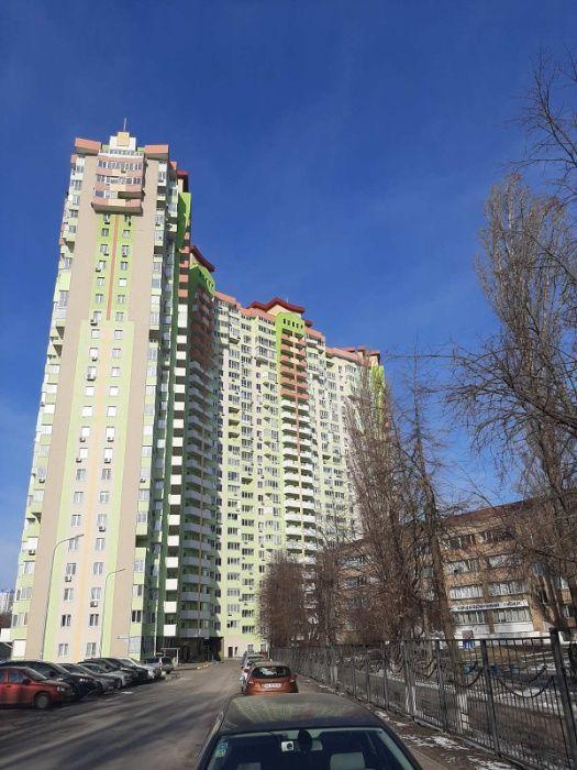 Сдам долгосрочно 3 к, г. Киев                               в р-не Отрадный                                 фото