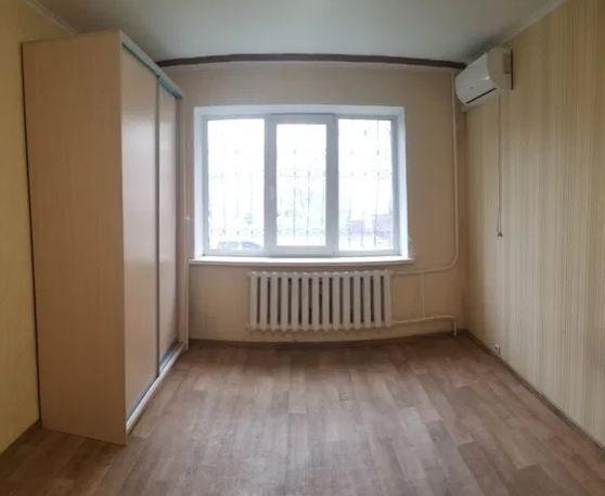 Продам ? гостинка, г. Киев                               в р-н Оболонский                                                               фото