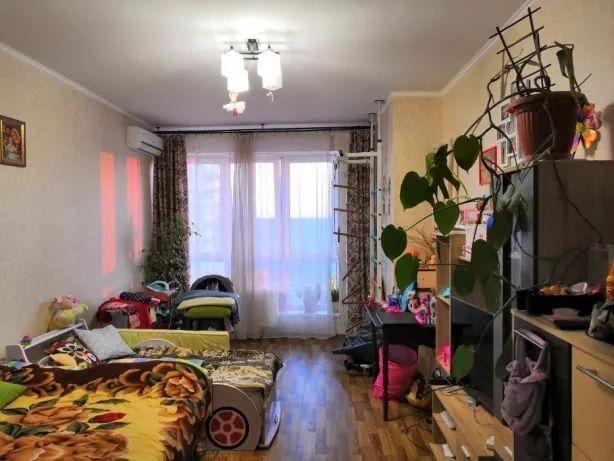 Продам ? 1 к, г. Киев                               в р-не Демеевка возле м. <strong>Демиевская</strong>                                  фото