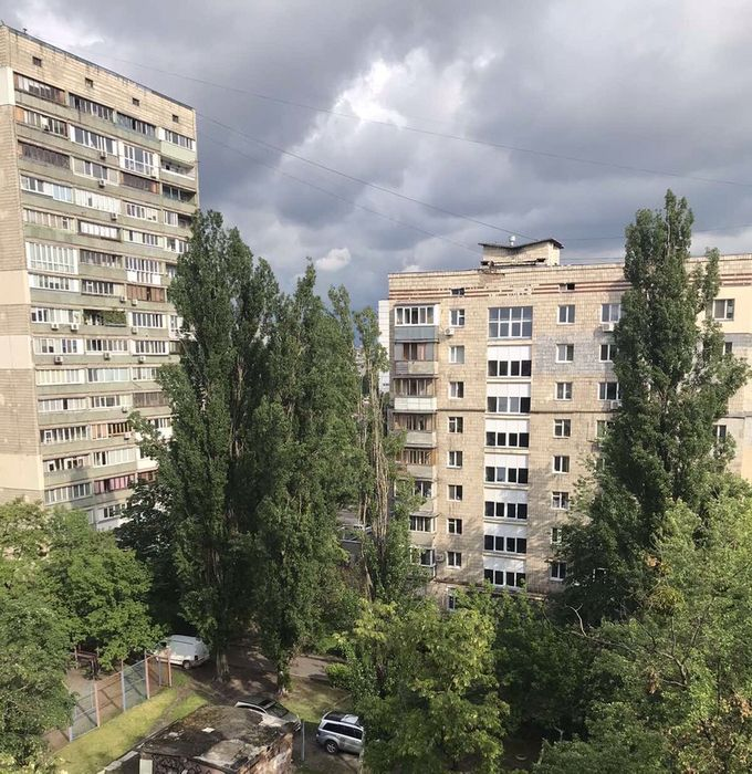 Продам ? 2 к, г. Киев                               в р-не Русановка возле м. <strong>Левобережная</strong>                                  фото