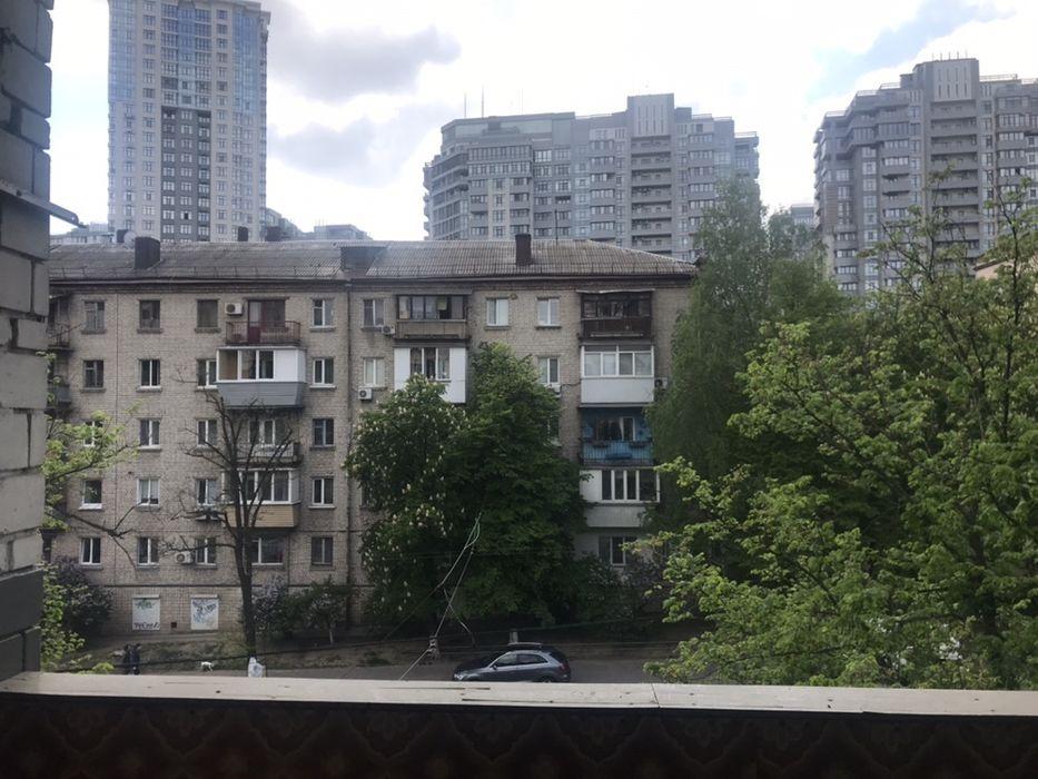 Продам ? комната, г. Киев                               в р-не Печерск                                 фото