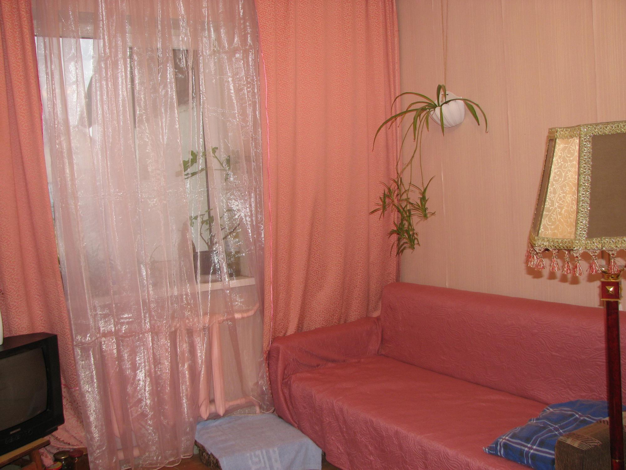 Продам ? пол дома, г. Киев                               в р-не Виноградарь                                 фото