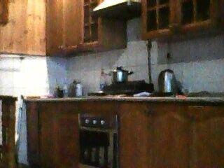 Сдам посуточно пол дома, г. Киев                               в р-не Совки                                 фото