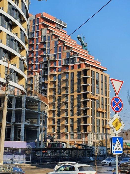 Продам ? 2 к, г. Киев                               в р-не Подол возле м. <strong>Контрактовая площадь</strong>                                  фото