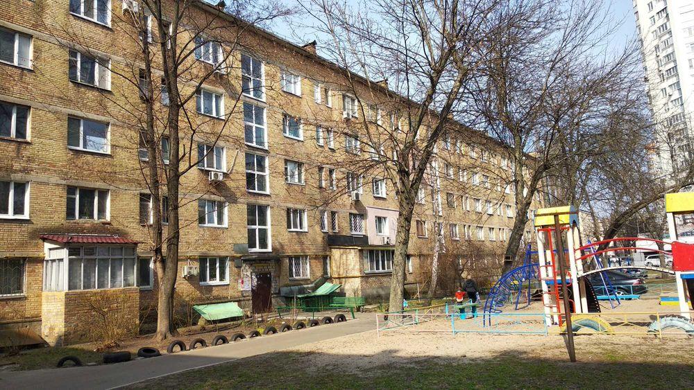 Продам ? гостинка, г. Киев                               в р-не Лесной возле м. <strong>Лесная</strong>                                  фото