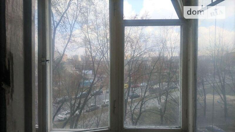Продам ? 2 к, г. Киев                               в р-не Левобережный возле м. <strong>Левобережная</strong>                                  фото