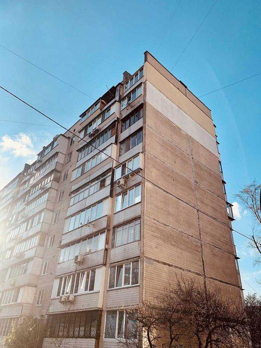 Продам ? 2 к, г. Киев                               в р-не Оболонь возле м. <strong>Героев Днепра</strong>                                  фото