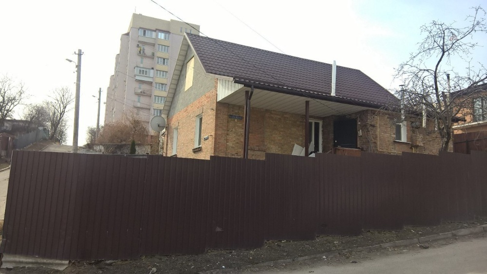 Продам ? пол дома, г. Киев                               в р-не Виноградарь возле м. <strong>Печерская</strong>                                  фото