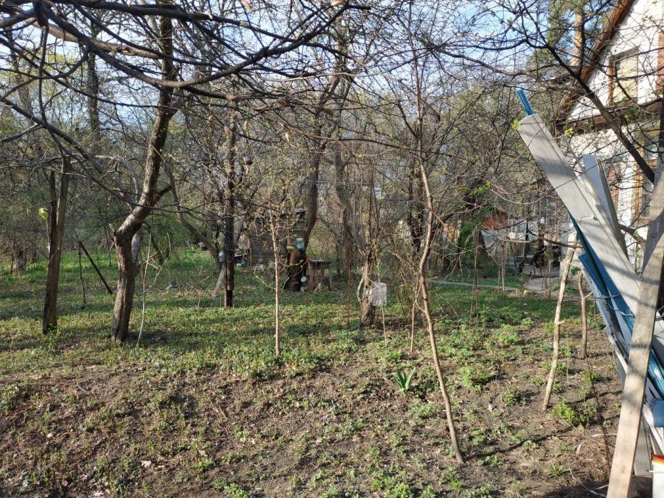 Продам ? пол дома, г. Киев                               в р-не Святошино возле м. <strong>Житомирская</strong>                                  фото