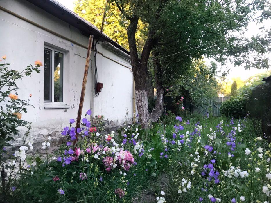 Продам ? пол дома, г. Киев                               в р-не Чоколовка                                 фото