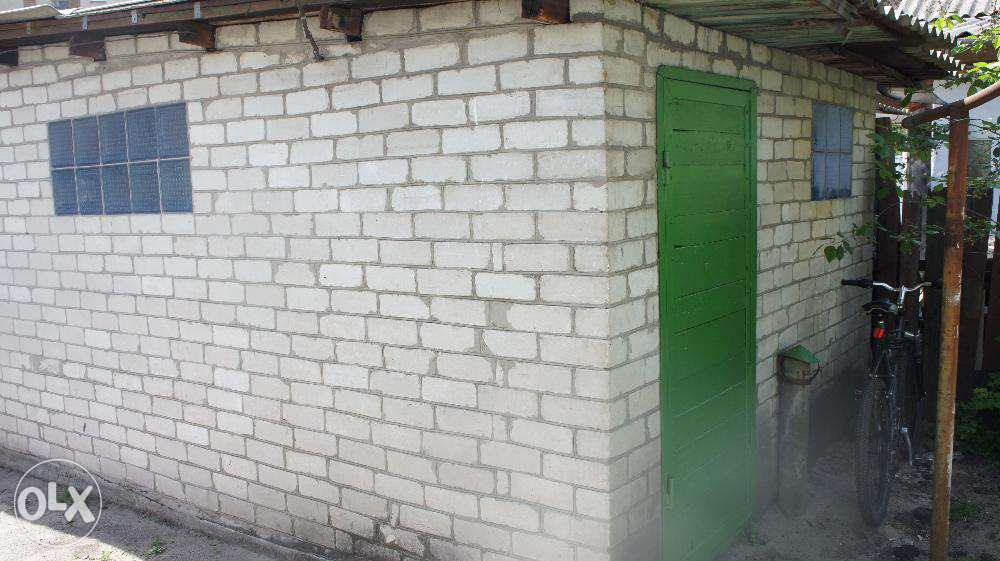 Продам ? пол дома, г. Киев                               в р-не Дарница                                 фото