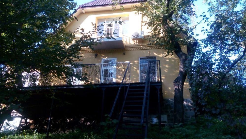 Сдам долгосрочно дом, г. Киев                               в р-не Печерск возле м. <strong>Дружбы народов</strong>                                  фото