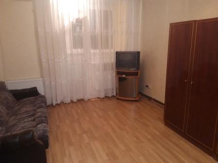 Сдам долгосрочно гостинка, г. Киев                               в р-не Дарница                                 фото