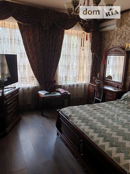Продам ? 4 к, г. Одесса                               в р-не Дальние Мельницы                                фото