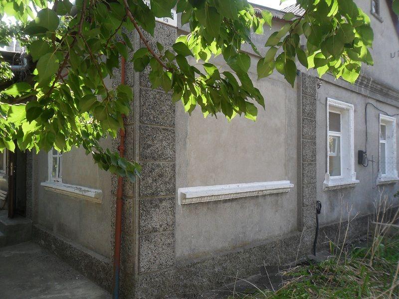 Продам ? пол дома, г. Одесса                               в р-не Поселок Котовского                                фото