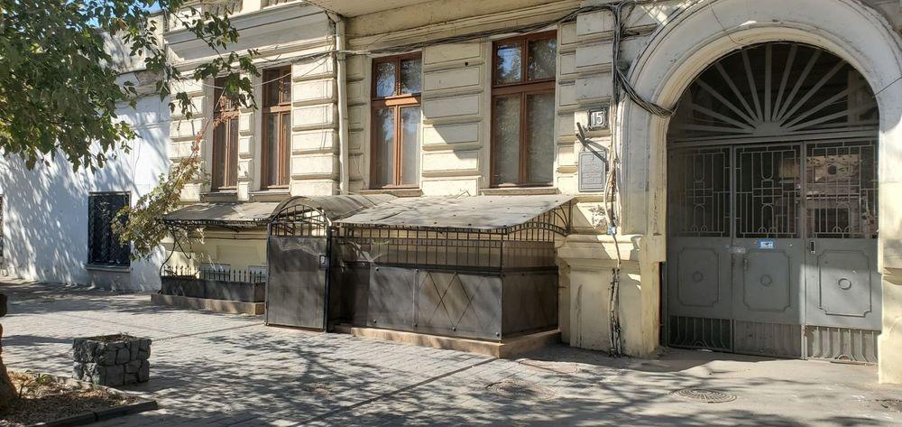 Сдам долгосрочно 3 к, г. Одесса                               в р-не Центр                                фото